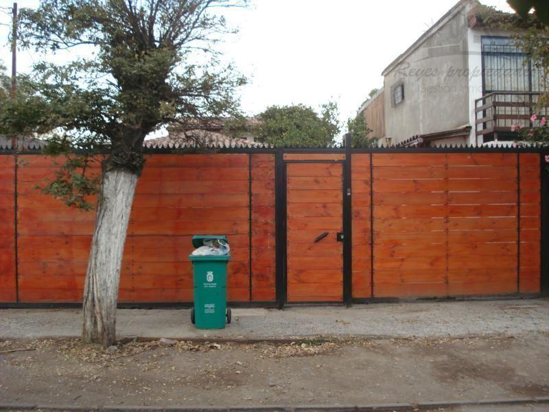 Hermosa casa de 2 pisos, San Joaquín