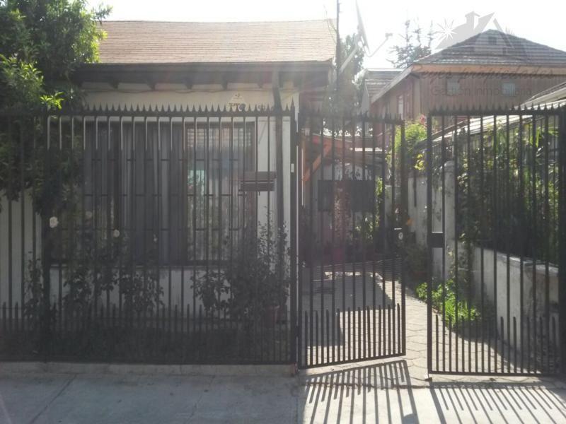 Excelente casa Isabel la Católica / Manquehue, Las Condes
