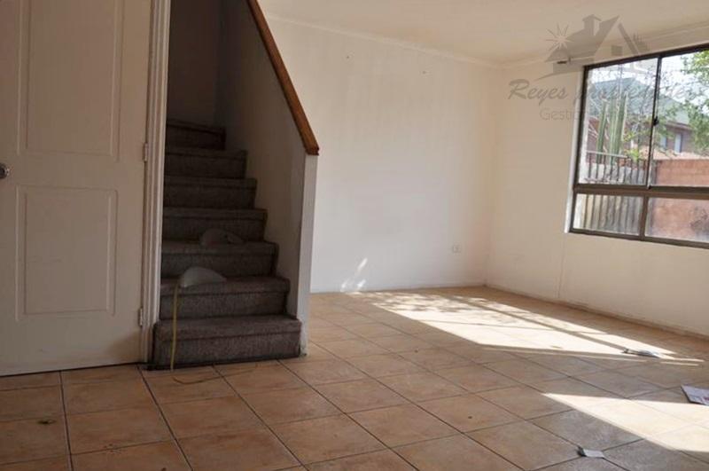Casa de 2 pisos, Villa Jardin Del Sur II, Maipú - Reyes ...
