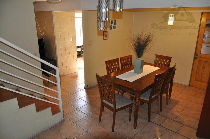 Hermosa propiedad 2 pisos, Condominio Portal Oeste