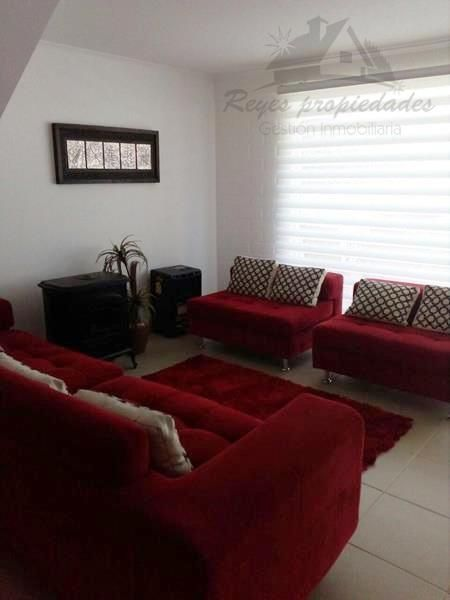 Hermosa casa de 2 pisos, Barrio Los Castaños II, Lampa