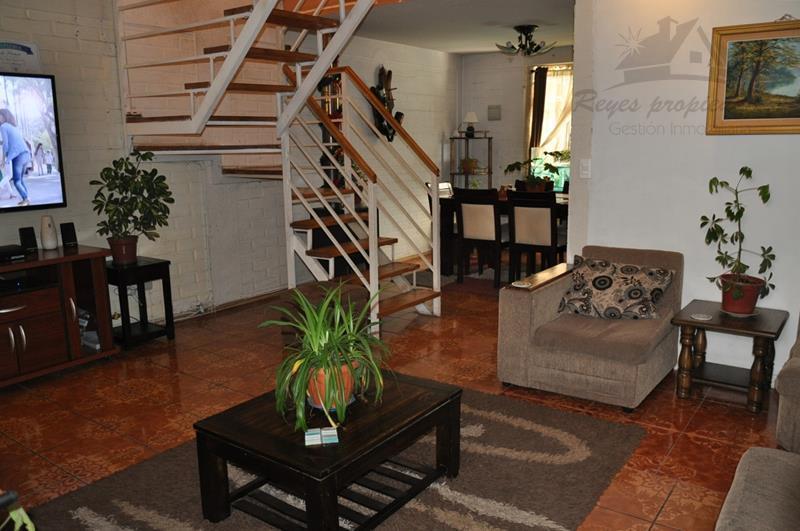 Oportunidad, casa de 2 pisos Villa Jardín del Sur, Maipú ...