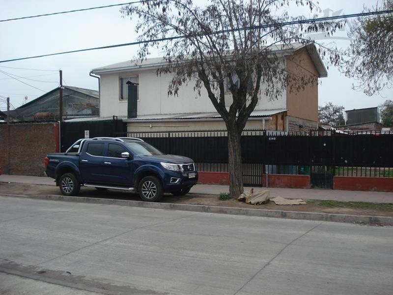 Amplio Terreno con 2 casas, San Joaquin